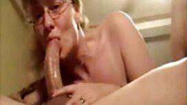 نازک ، سبزه جوان (تعطیلات تیفانی) دوست دارد جلوی دوربین فیلمبرداری خودارضایی کند. Tiffany Masterly با انگشتان خود کار می کند ، سپس آنها را جفت عكس كون سكسي می کند ، سپس یک واژن و مقعد پنج بصورت همزمان.